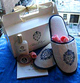 plaza gift box with slippers